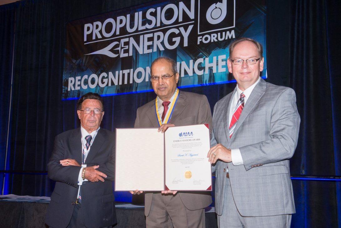 Professor Aggarwal receives award
