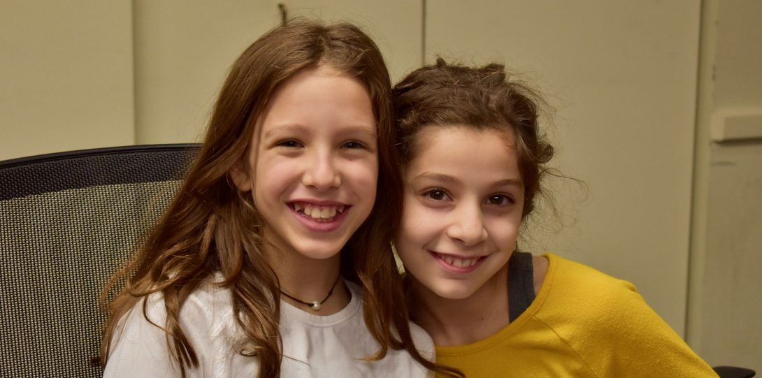 Friends Elodie Weprin, left, and Leyla Atasoy, right