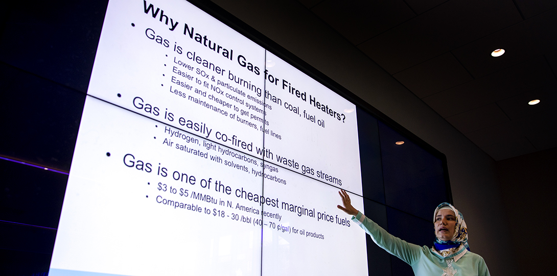 Chemistry professor gives lecture to students using electronic blackboard