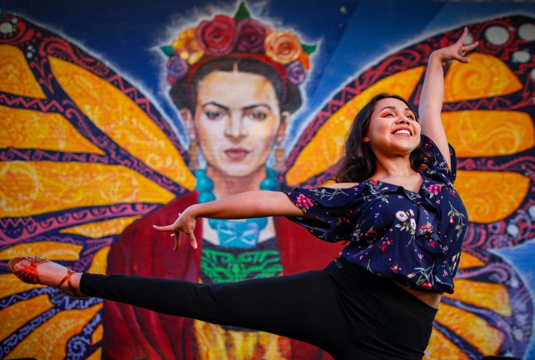 CS undergraduate student Cecilia Avila in front of Chicago mural